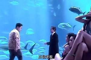 香港王李丹妮三级片《一路向西》《鸭王》《3d夜蒲团》x
