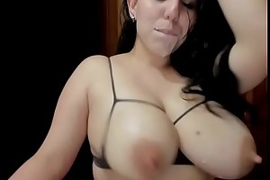 Milk Squirting Ginna Xx camgirl