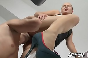 Female agent finally receives the new slew be fitting of crestfallen cumshots
