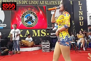 Indonesian crestfallen dance - seductive sintya riske lewd dance on stage