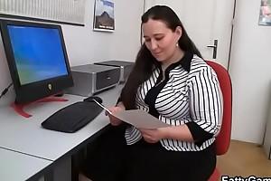 Election plumper fucks her customer