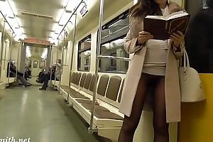 Jeny smith seamless hose subway waft flash